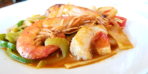 C WOK, c'est un grand choix de grillades et cuisine au wok à Claira.