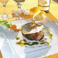 Tartelette de bar au fenouil, confit vinaigrette à l'orange du restaurant Le Yucca de Perpignan (crédits photos: networld-Le Yucca)