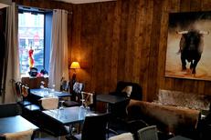 Dimas Perpignan est un restaurant de viandes et un bar en centre-ville