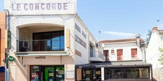 Le Concorde Saint Estève restaurant et bar en centre-ville (® networld-bruno Aguje)