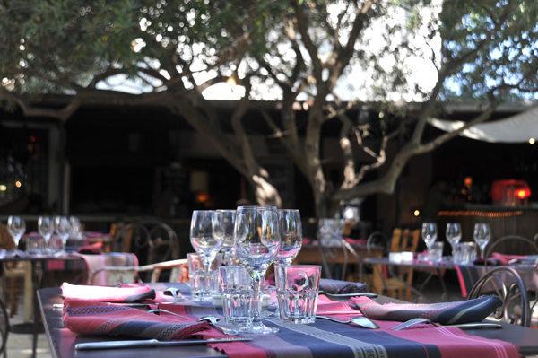 Le mas chabry perpignan cuisine au feu de bois ch de - Restaurant le jardin du lavoir aux herbiers ...