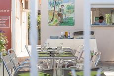 Restaurant Saleilles Michel Rogel propose des grillades, un bar à jambons avec des produits de qualité avec des tables en terrasse (® networld-Aguje)